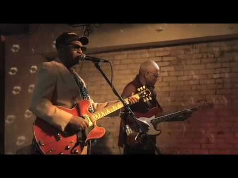 SMOKIN JOE KUBECK & BNOIS KING : Have Blues, Will Travel (2010)