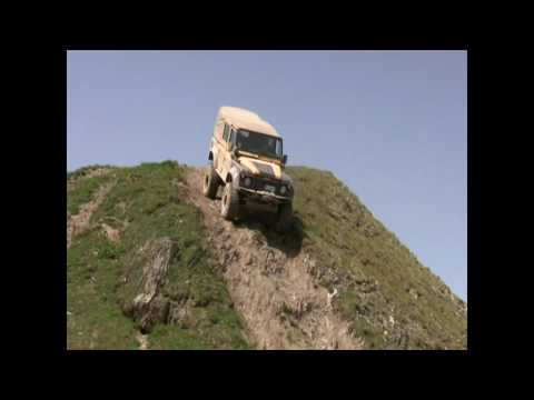 mercedes G VS land rover defender 110 - Valdisere