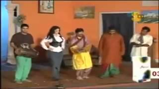 pakistani stage show Songs in Punjabi on a pakistani stage show