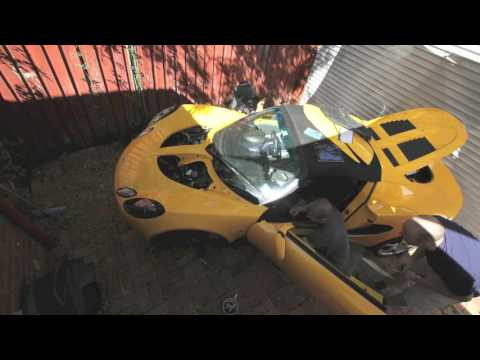 Lotus Elise Clam Removal