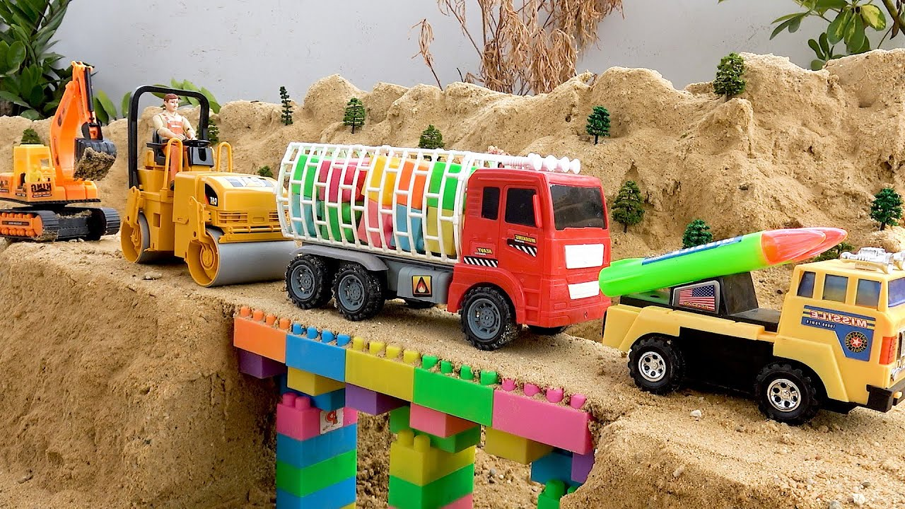 Bridge Construction Vehicles, Dump Trucks, Excavator, Road Roller Blocks Toys