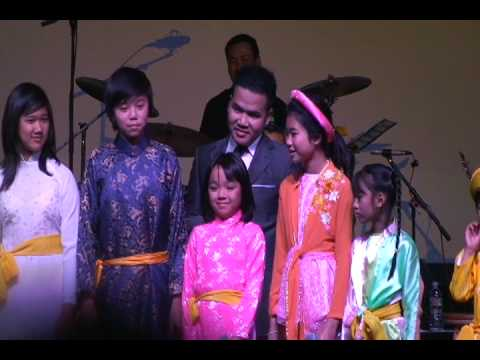 The Friends - MC Dai Duong  & Thieu Nhi The Friends. Part 1