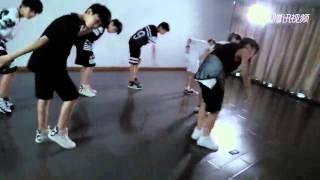 [REUP] TF家族练习生舞蹈 - TF Gia Tộc Cover - Bang Bang Bang