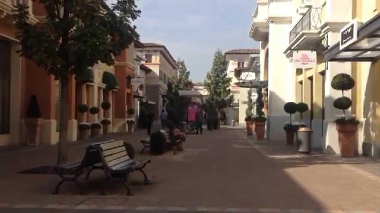 Fidenza Village .Les magasins d\'usine en Italie - YouTube