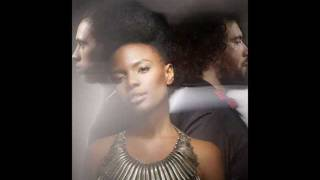 Noisettes - Ever Fallen in Love (With Someone You Shouldn