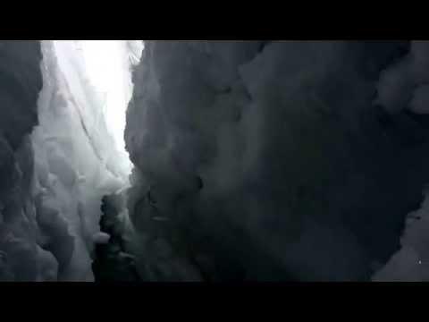 Alpinista cayó en el Himalaya y por publicarlo en Facebook pudo ser rescatado