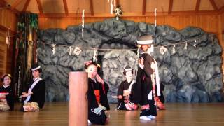 2013年10月27日 阿蘇郡南阿蘇村 長野阿蘇神社 神楽殿 和田弘とマヒナス...