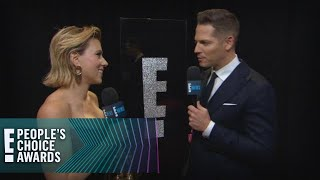 Scarlett Johansson Celebrates PCAs Win With Champagne | E! People's Choice Awards