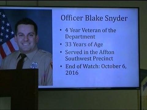 Missouri Officer Killed in Exchange of Gunfire