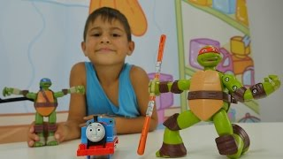 Türkçe izle - çizgi filmi oyuncaklarıyla çocuk oyunları/videoları. Ninja Kaplumbağalar ve tren yolu