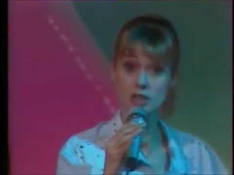 "Dorothée ""Maman"" live plateau TV"