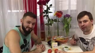 Свинина с помидорами и сыром в фольге на 8 марта
