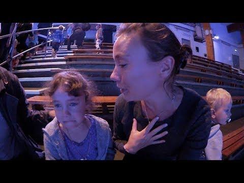 Kolmården - Familjen gråter på delfinshow VLOGG