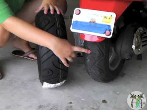 Vespa Rear Tire Change How To Youtube
