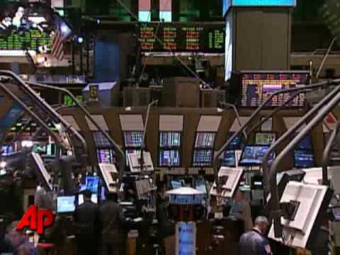 Aug. 17: Stocks Tumble on Consumer Worries