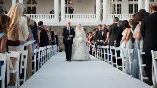 Свадьба в США отец ведёт невесту под венец