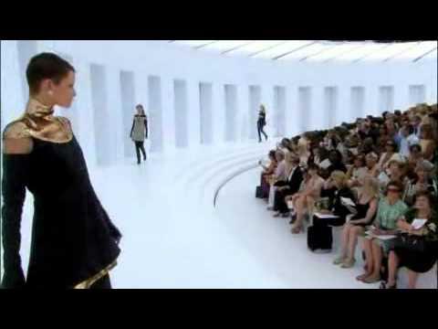 Chanel Fall 2006 Haute Couture Fashion Show (full)