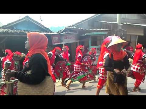 Indonesian Art and Culture Lovers | Best Jatilan Arts at Festival Magelang