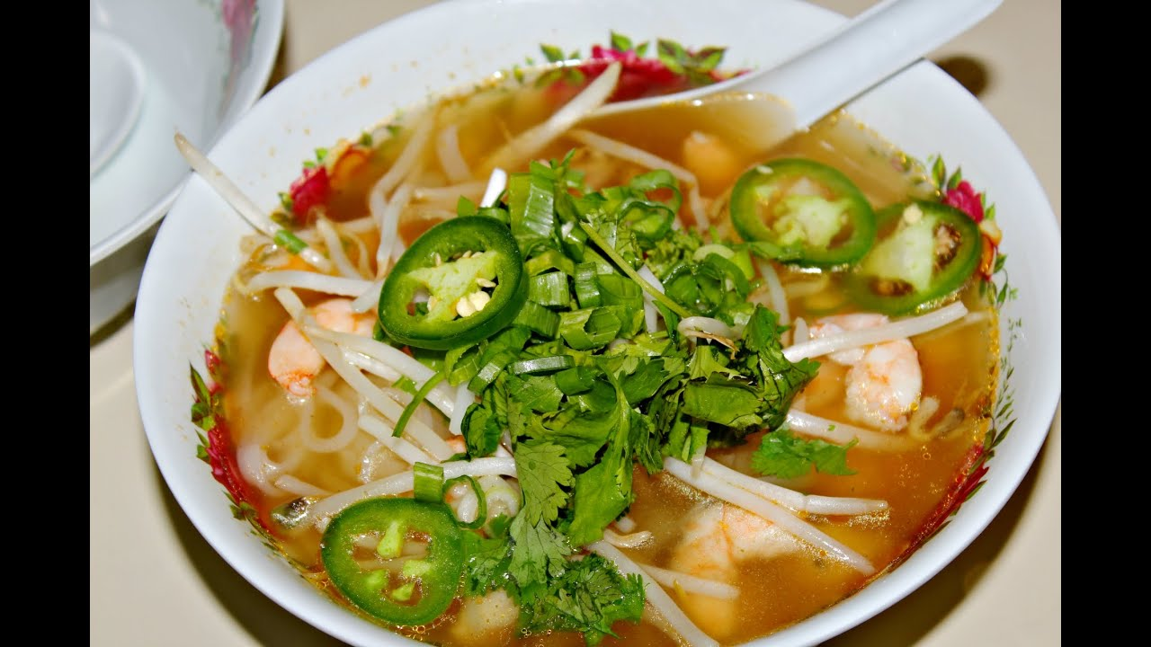 How to make pho delicious comfort dish laos style beef noodle how to make pho delicious comfort dish laos style beef noodle soup adrilunamakeup youtube forumfinder Image collections