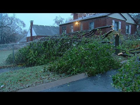 Ice storm causes power outages, school closings