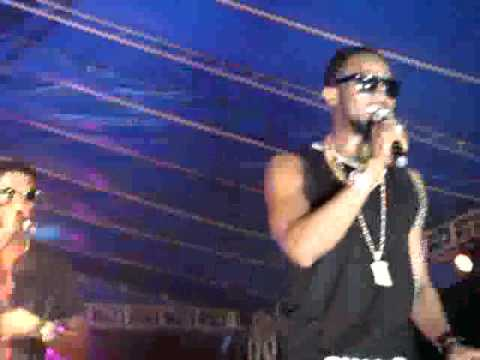 live performance of dbanj on stage