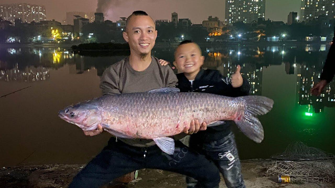 Cá Nướng Muối Ớt Và Một Buổi Đi Vớt Cá Đêm Bằng Vợt Vực Vui