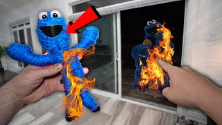 DO NOT MAKE COOKIE MONSTER VOODOO DOLL AT 3 AM CHALLENGE!! (LIT ON FIRE!!)