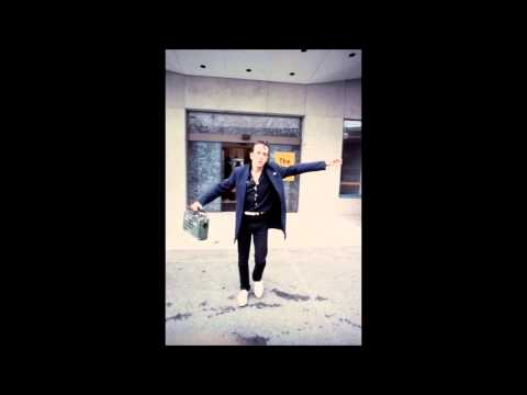 Joe Strummer and kosmo radio interview 1982