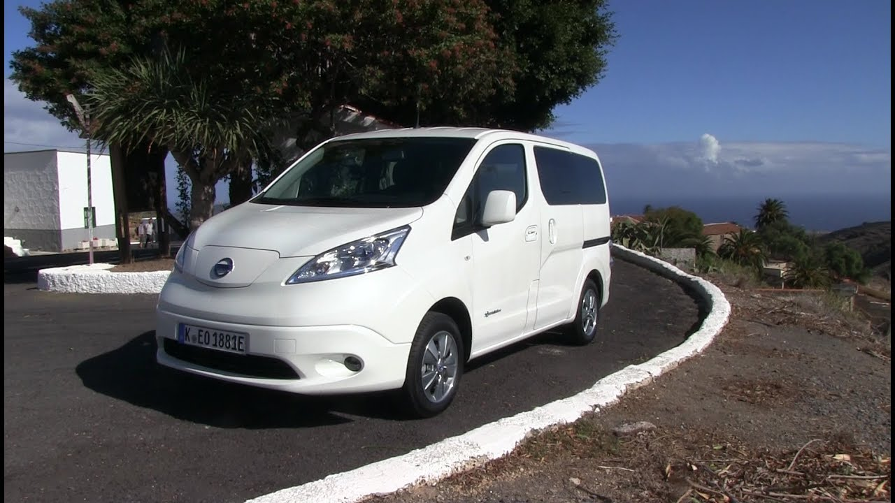nissan e nv200 40 kwh evalia interior review youtube. Black Bedroom Furniture Sets. Home Design Ideas