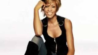 Whitney Houston - Why You Looking At Me (remix) Faixa 1 -  Conca 10 anos