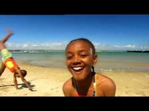 Green Balloon Club - On the beach song - Cbeebies