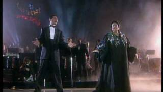 Barcelona (Live) - Freddie Mercury & Montserrat Caballé - 1988(THIS IS NOT A LIVE VERSION, but it was a