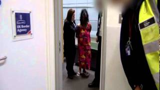 Video Customs UK (Gatwick Airport) - Drug Smuggler loses it! So Sad download MP3, 3GP, MP4, WEBM, AVI, FLV Juni 2018