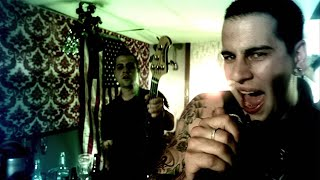 Watch Avenged Sevenfold Bat Country video