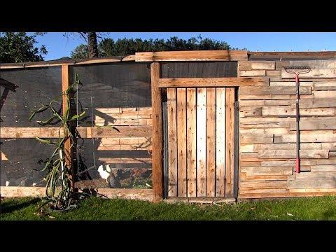 THE #1 CHICKEN COOP FOR BACKYARD GARDENS | How To Fertilize Your Garden!