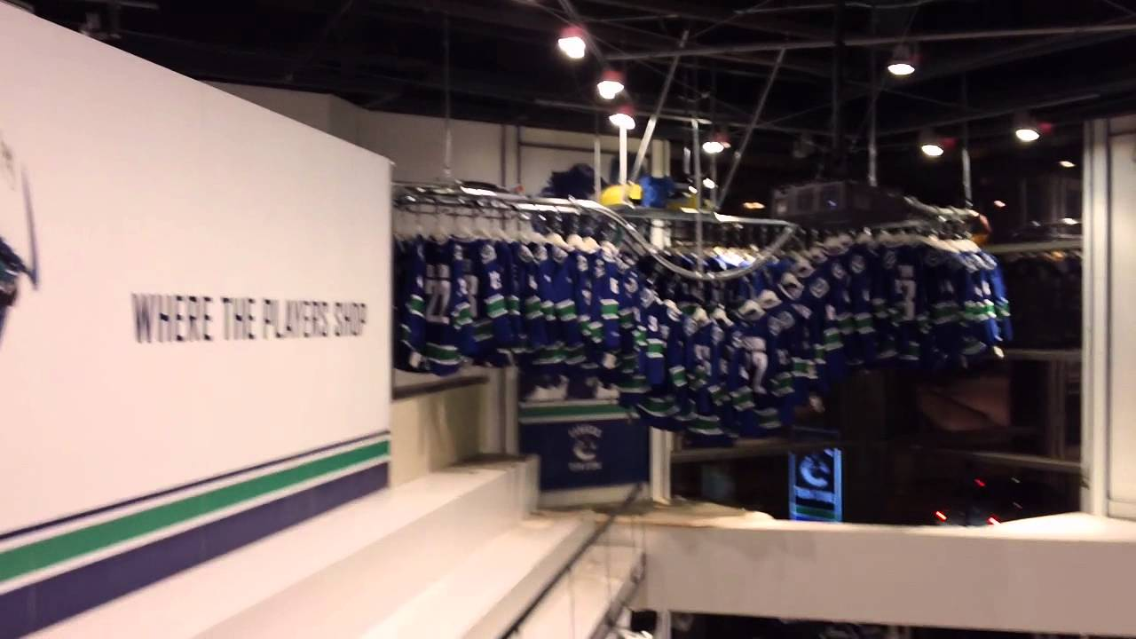 separation shoes 86bde dbe50 CANUCKS TEAM STORE @ROGERS ARENA 2011/2012