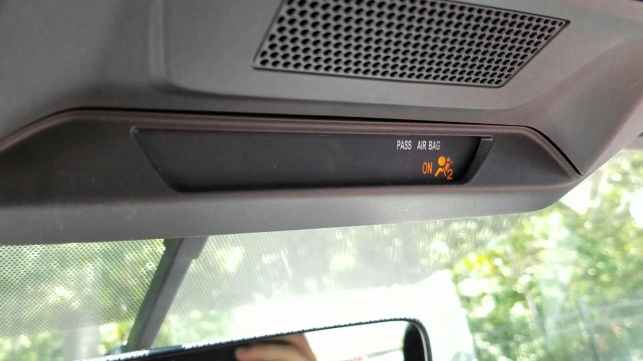 Subaru Legacy: Seat, seatbelt and SRS airbags