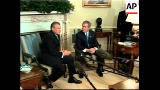Polish President Kwasniewski meets Bush and Rumsfeld thumbnail