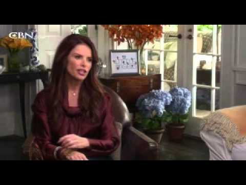 "Roma Downey on Faith and ""Little Angels"""