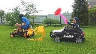 Андрей играет в полицейского и ловит воришку на тракторе