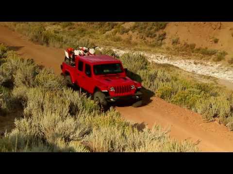 2020 Jeep® Gladiator Rubicon Driving Video
