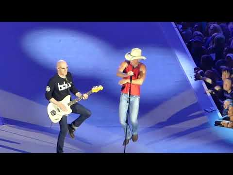 Kenny Chesney - Live - Somewhere with You and I Go Back