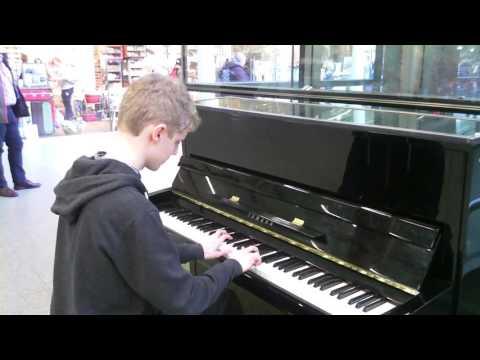 Fur Elise LV Beethoven, St Pancras International