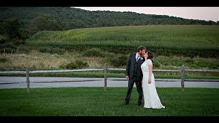 Wedding Barn at Lakotas Farm Wedding Photos | Susan Blackburn