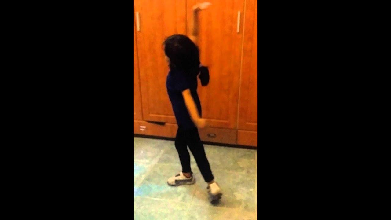 midget girl dancing to shake it off