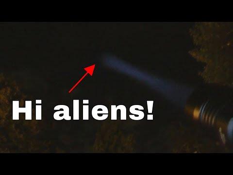 HaikeLite HT35 Zoomable Flashlight Review - Insane Alien Summoning!