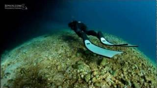 Freediving The Caves - with Linda Paganelli & Stefan Randig