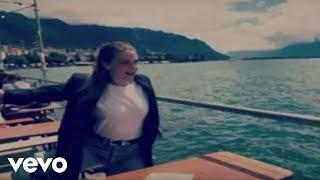 Смотреть клип Maggie Rogers - Split Stones