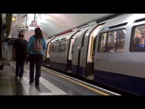 Holborn - Piccadilly Line (Dodgy Doors!)