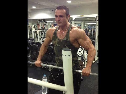 Musculation: séance prise de masse épaules en biset. | Doovi
